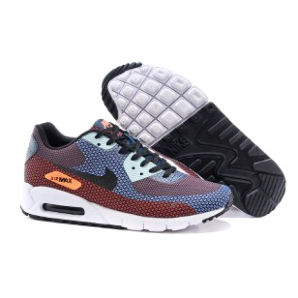 premium selection 774f5 a0919 Nike Air Max 90 Flyknit Essential Running Shoe